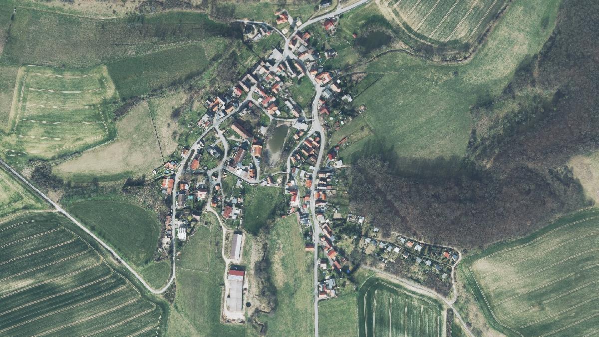 Luftbild der Gemeinde Petersberg