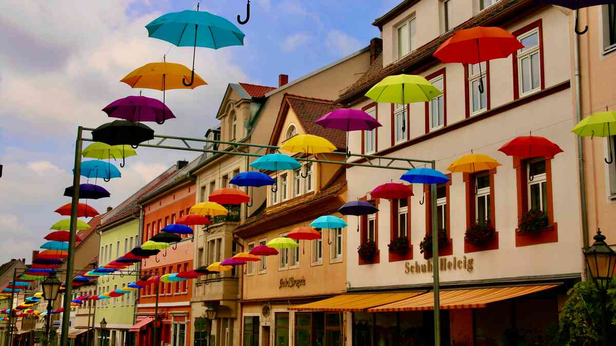 Schirmdekoration am Steinweg